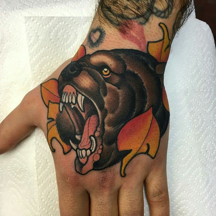 Tattoo done by: Mitchell Allenden #oso #beartattoo #neotradicional