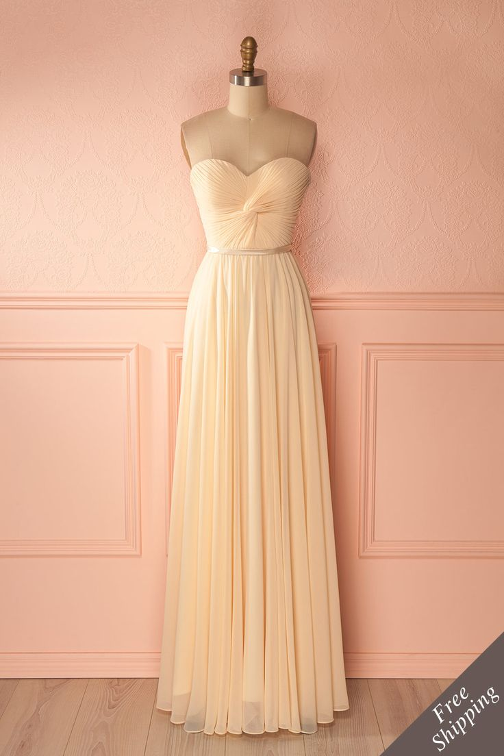 Longue robe de bal crème - Cream laced back bridal gown