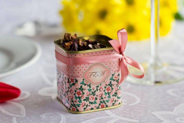 #Marturie Pentru #Nunta, din metal imprimata cu motiv floral, ce poate contine dupa preferintele Mirilor: ceai, boabe de cafea, bomboane etc ...  peste 100 buc. - 7 lei/buc peste 50 buc. - 7,5 lei/buc Pret: 8 lei/ buc  Comanda minima: 25 buc  Dimensiune: 6 cm lungime / 5 cm latime   Pentru comanda si alte detalii  0733 248 374 Loredana