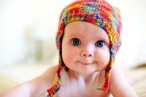 eyes.. knit hat :)  i just wanna squeeze him!!!