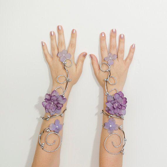 Zilver en lavendel fairy arm manchetten door Frecklesfairychest