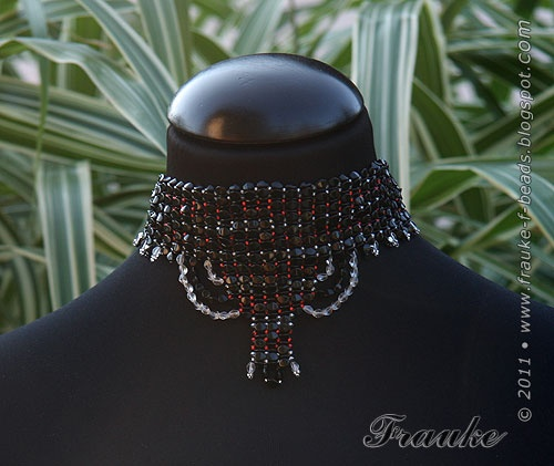 Beaded necklace a littel oriental.