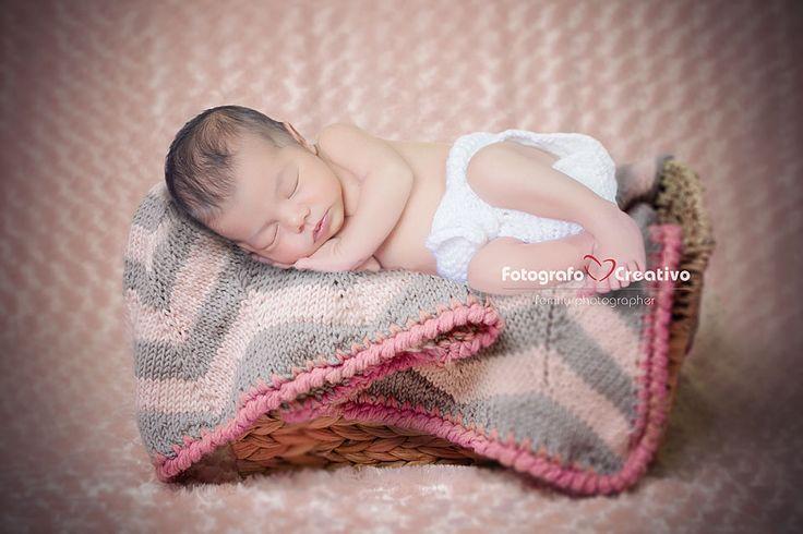 Servizio fotografico di un neonato. #neonato #newborn #bari #fotografo #fotografia #photography #bambini #bambina #fotografocreativo #fotografobari #fotografomatrimoniobari #italia #puglia #photography #genitori #hope #love #children