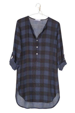 Bo-Star - Blusa cuadros negra y azul.  Maravillosa blusa de cuadros en azul petroleo y negro ideal para llevar como mini vestido o con leggins