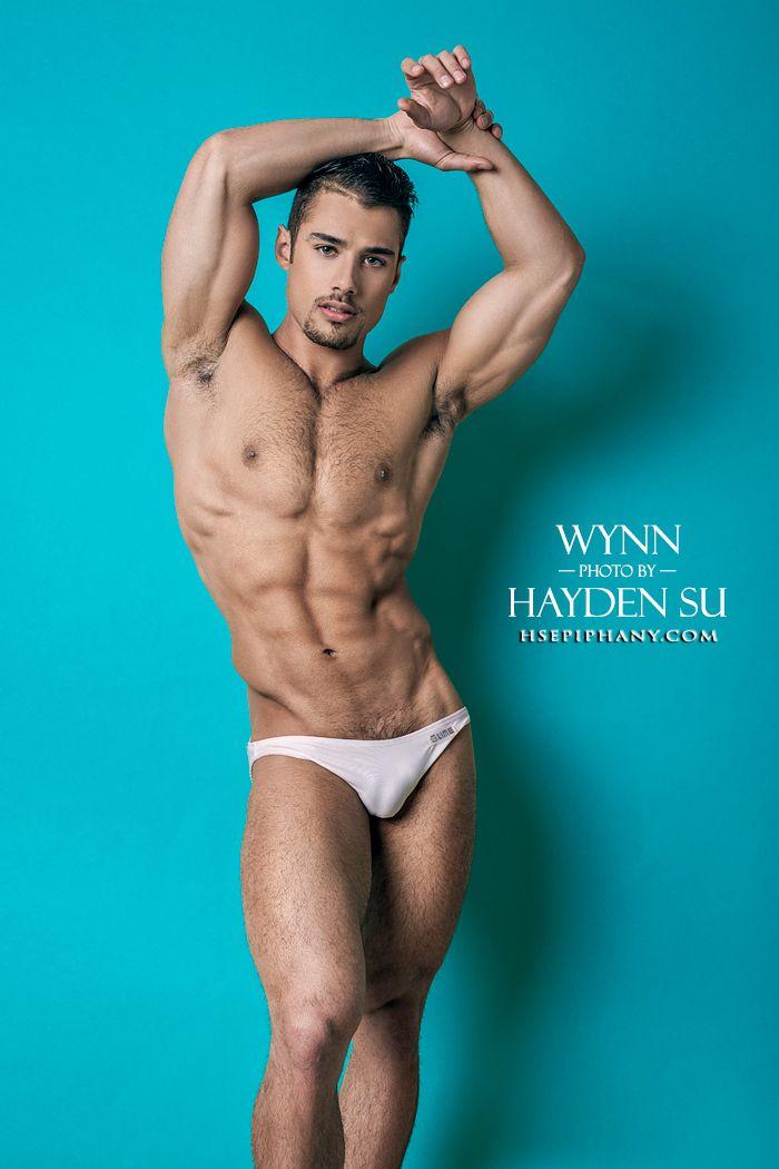 16 obrazy, proč Quinton Wynn je jedním z nejlepších lakomec DNA Magazine.  Výstřel Hayden Su proč Wynn je modelování tak sexy, tak daleko, že nikdo nemohl odolat pocit přitáhnout k němu.