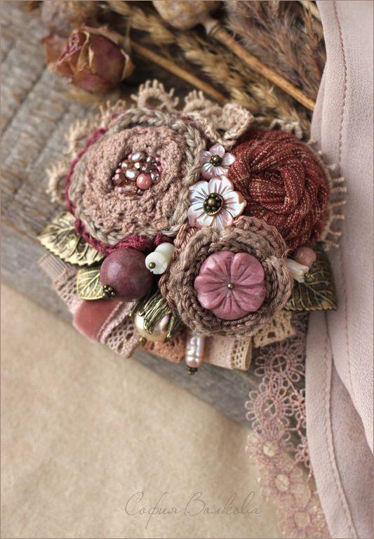 """Купить Брошь """"Брусника"""" - брошь, брошь букет, ягодная брошь, брошь с цветами, брошь текстильная"""