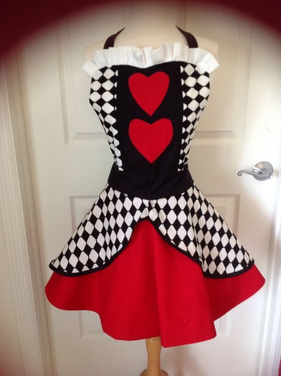 Queen of Hearts apron by AJsCafe on Etsy, $52.00* **In the running as well for my Tower of terror Disney 10mile race