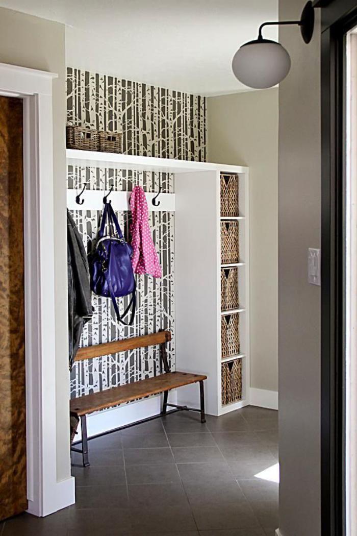 papier peint de couloir, forêt de bouleaux et banc de porte-manteau