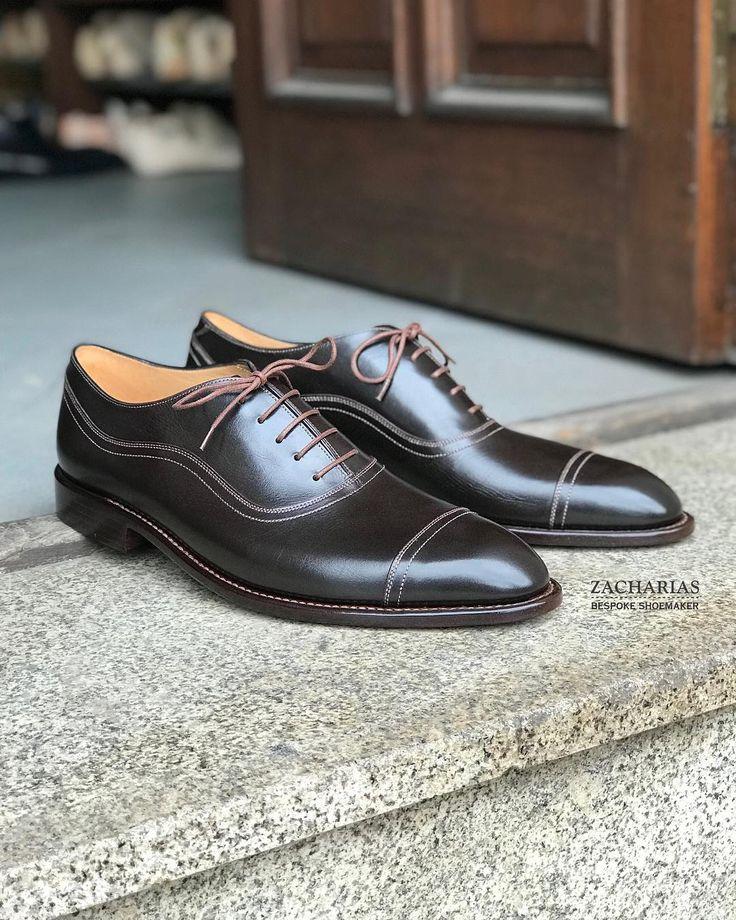 . Představujeme #boty na zakázku. . Stejný výrobní #postup stejný #materiál stejná #kvalita jako mají naše boty na míru. . Zkusíte si je vyberete barvu a střih a objednáte. . Výrazně rychleji ušité a levnější než první pár bot na míru. . Domluvte si návštěvu a přijďte si je vyzkoušet.