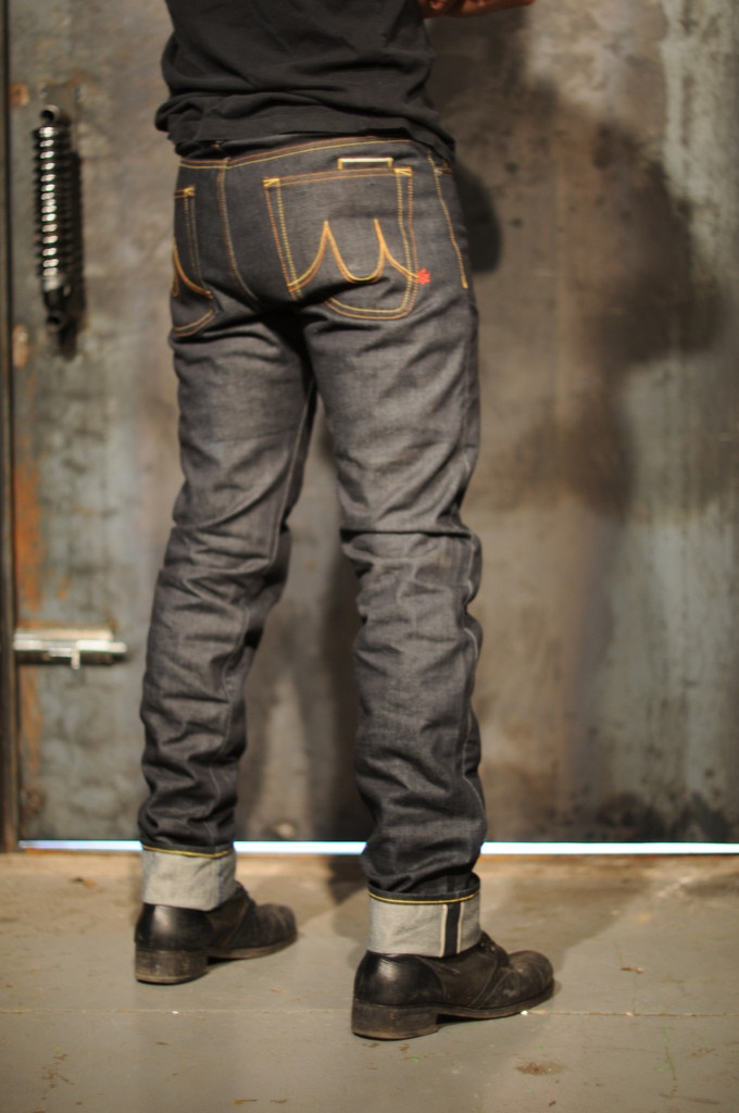Slim Fit Kevlar Motorcycle Jeans with Armour. If you are looking for a pair of bike jeans, this is them.