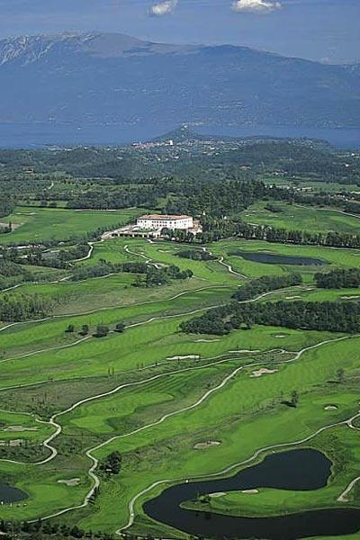 One of the finest resorts in the whole of Europe, Palazzo Arzaga is famous for its professional golf courses, world class spa and award winning cuisine.