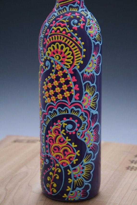 Pintado a mano florero de la botella de vino, púrpura con Detalles en azul, amarillo y rosa, diseño Colorido del Estilo de la alheña