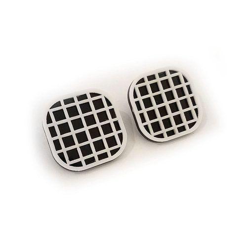 hatch stud earrings