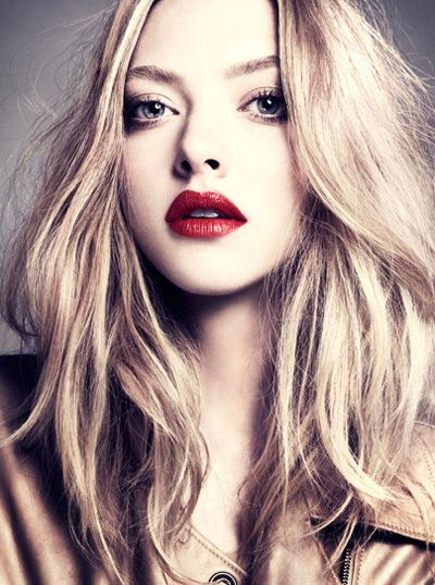 Amanda Seyfried - Make up is Lovely -I love Red LipStick but 'm scared i look like a clown :(