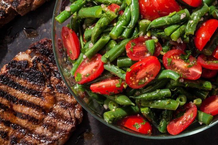 Salade de haricots verts et de tomates cerises...rafraîchissante et colorée