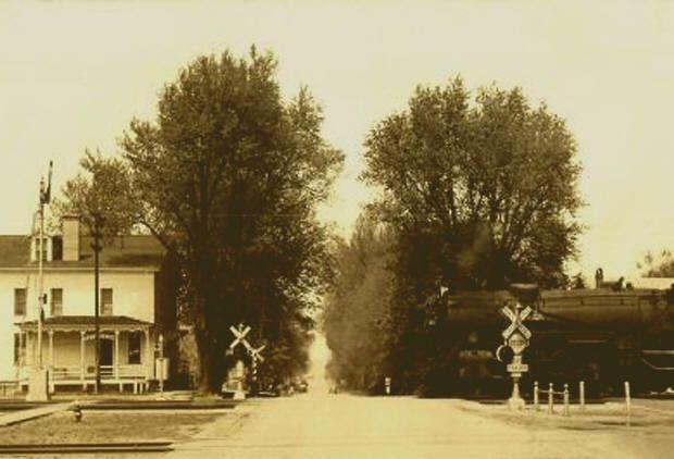 Hotel Lanark and the Railroad Crossing, Lanark, Illinois: Railroad Crosses, Favorite Stuff, Vintage Railroad, Hotels Lanark