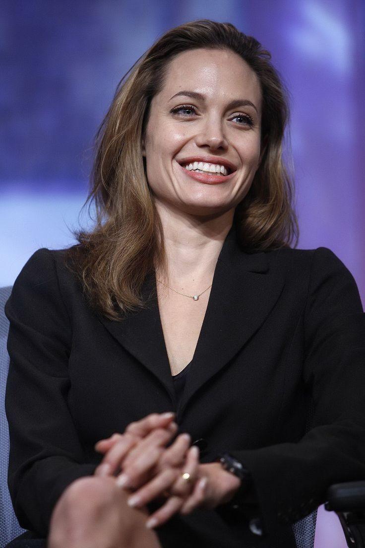 Angelina Jolie - Clinton Global Initiative Event - Photo 08