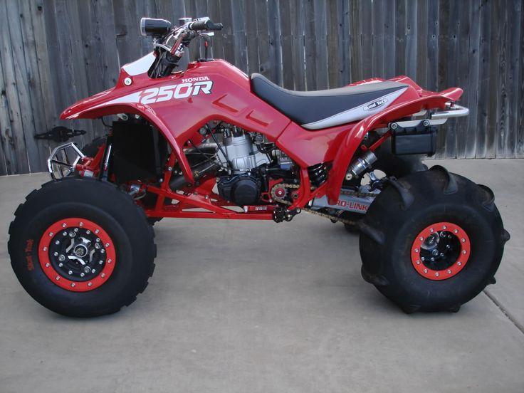 Fox shocks, hiper wheels and sand tires