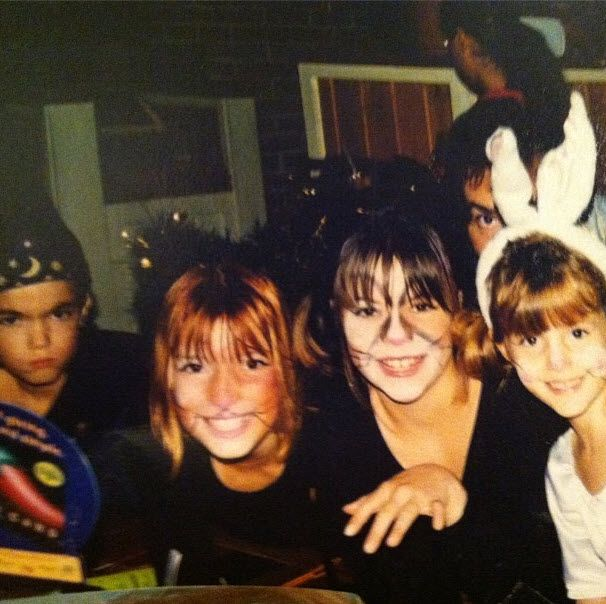Throwback Photo: Dani Thorne With Bella Thorne, Kaili Thorne, Remy Thorne And Their Dad