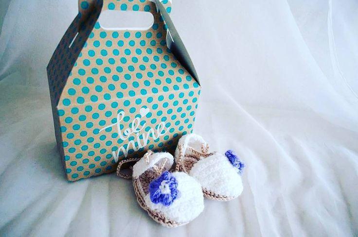 Esparteñas con flor morada de 0 a 3 meses. Encargadas en el color que mas te guste y la talla que necesites  #decorazon #soydecorazon #detodocorazon #crochet #tejido #zapatitos #zapatosparabebe #shoes #shoesforbabys #hechoamano #handmade #Colima