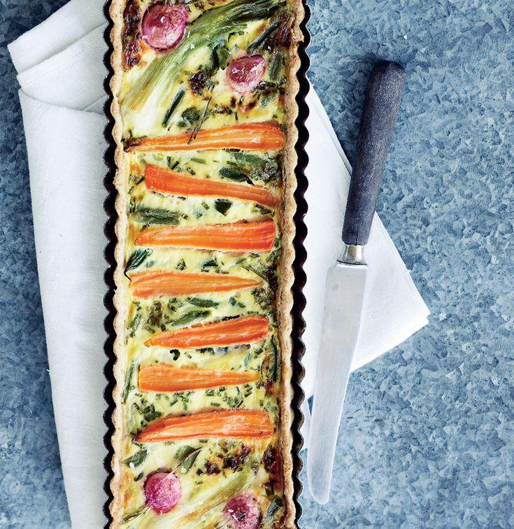 Grøntsagstærte med rygeostcreme og purløg - ISABELLAS