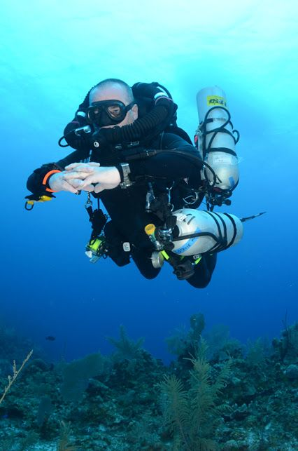Divetech in Grand Cayman, No Bubble diving.