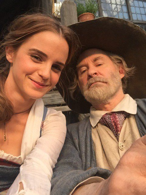 New cute BTS pictures of Emma Watson on set of Beauty and the Beast