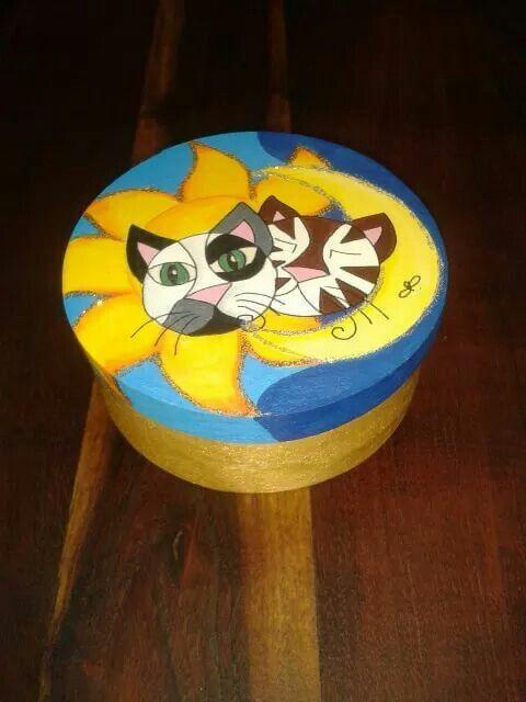 www.facebook.com/catsartdesign
