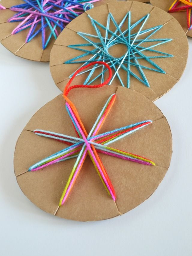 Christmas Ornaments Kids Can Make - Cardboard yarn ornaments