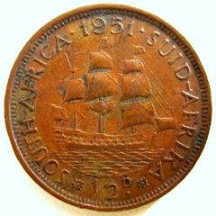 A 1951 SOUTH AFRICAN HALF PENNY---HA 3 for R6.00
