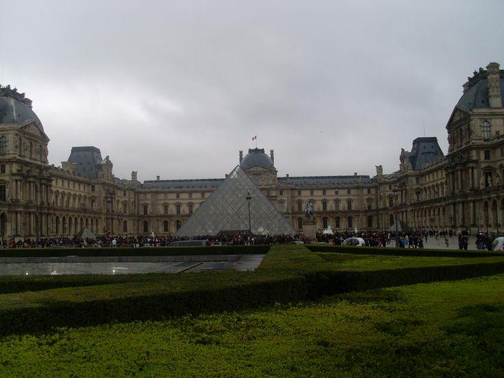 Het grootste museum ter wereld; Het Louvre in Parijs