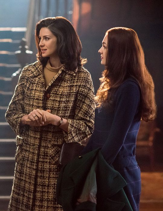 Claire and Brianna Fraser / Caitriona Balfe / Sophie Skelton ~ Outlander Season 2 ~