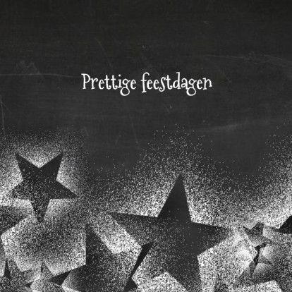Leuke kerstkaart met winterse sterren op een achtergrond met afbeelding van schoolbord. 'Prettige feestdagen'.Pas de tekst naar eigen wens aan.