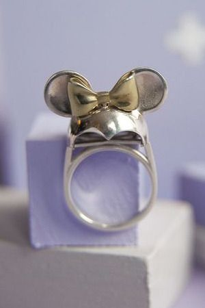 Minnie Mouse ring.