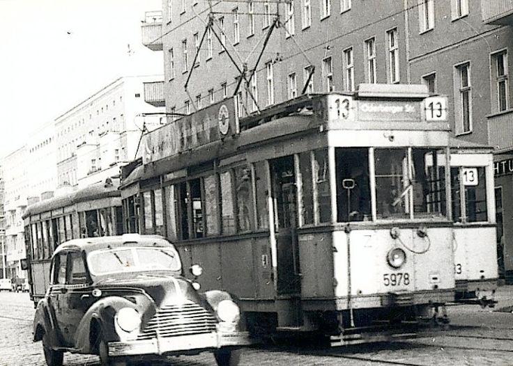 BVG-Ost - Typische Berliner Strassenbahn in Ost-Berlin - August 1960 - Foto : J.J. Barbieux