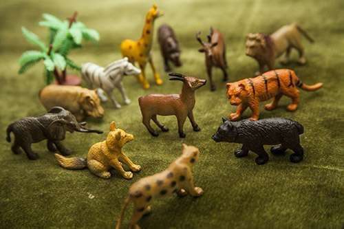 Wild Animals Miniature 1 pack - 12 animals Contact Letima House Baby Shop : Text & Whatsapp: +62-877-8080-6878  Blackberry Pin : BBM: 512B5D2E / 74B97998