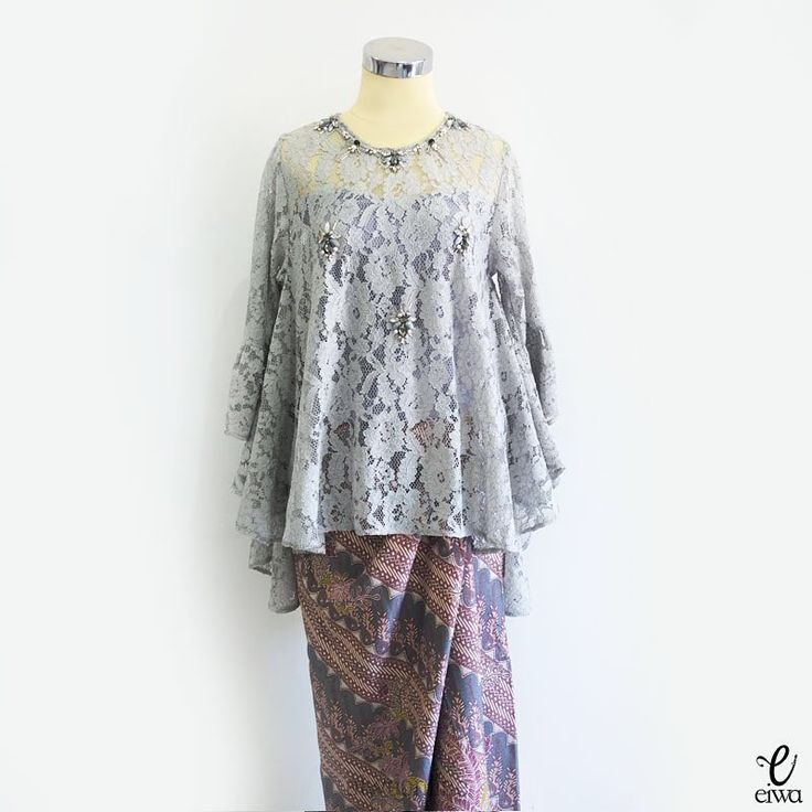 """465 Likes, 25 Comments - EIWA - kebaya bajubodo brokat (@eiwaonline) on Instagram: """"🚫SOLD OUT🚫 TOP0533 (grey) ready in grey, bw, and rouge Bust 96cm - 114cm (stretch) Length 57 / 75cm…"""""""