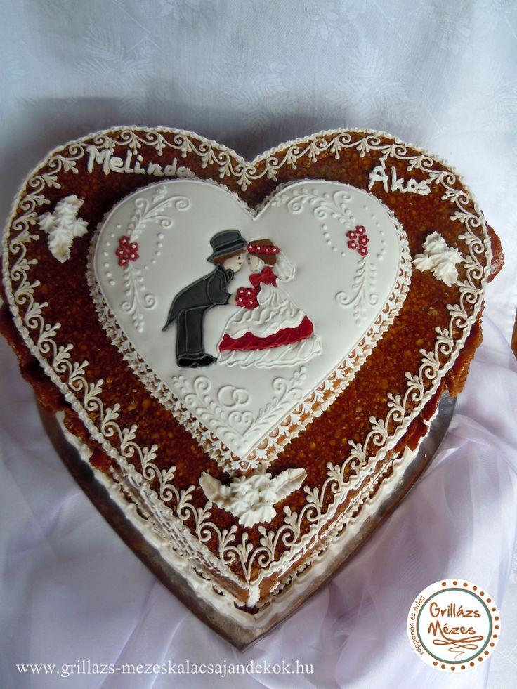 Esküvői grillázstorta mézeskalács szívvel