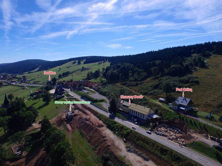 Zieleniec - 3 obiekty noclegowe   Pod Orlicą - 30 miejsc; Stokłos - 31 miejsc; Straszny Dwór - 76 miejsc  dron_big.jpg (2000×1500)