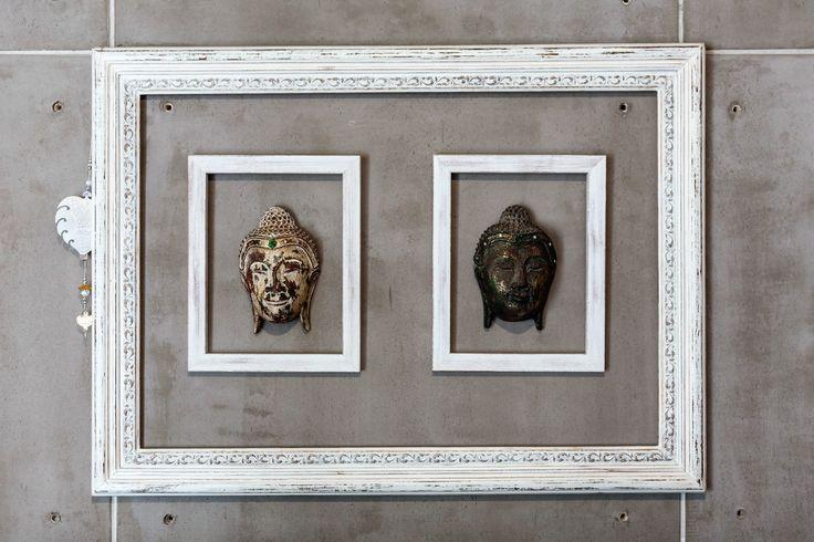 Concepto cuadro Thai - realizado con tres marcos y dos cabezas de budas hechas en madera. Arq. Simón Tobón P.