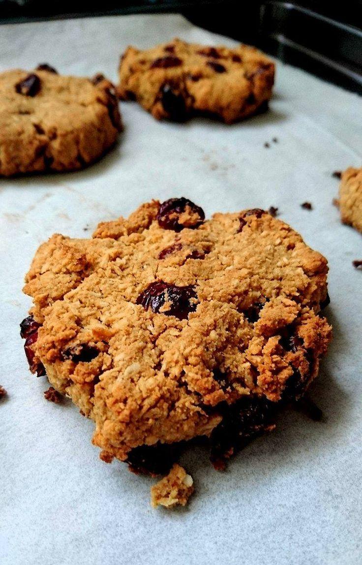 Cookies healthy aux cranberries et à la coco. Vegan, sans gluten, sans matière grasse et allégés en sucre.