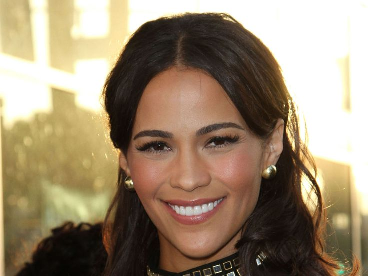 Paula Patton To  Star In Straight To Series Summer Drama, Somewhere Between - http://www.reeltalkinc.com/paula-patton-star-straight-series-summer-drama-somewhere/