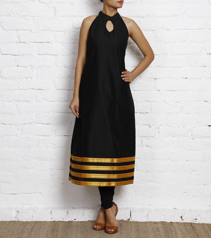 Black sleeveless A line kurta