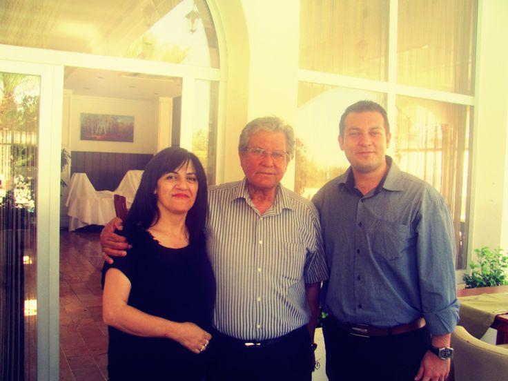 Kıbrıs'ın Ünlü Sanatçılarından Ulus Yeşilada ve Eşi Beta Nova Restaurant'ın İşletmecisi Radiye Hazer Yeşilada Bugün Otelimizi Ziyaret Ederek, Genel Müdürümüz ile Hoş Bir Sohbet Gerçekleştirdiler.