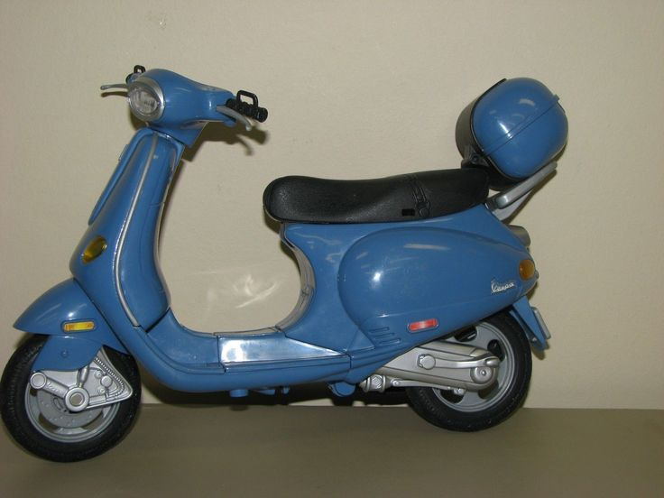 2003 My Scene Vespa Scooter
