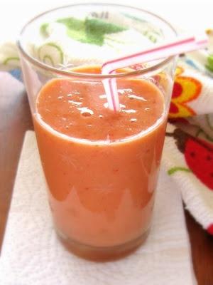 Smoothie de Mamão, Morango, Banana e Iogurte