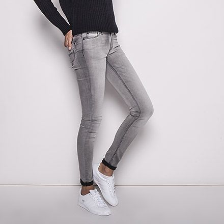 Jean gris, coupe skinny