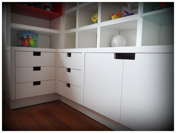 10 best images about muebles para sala de juegos on pinterest - Railes para cajones ...