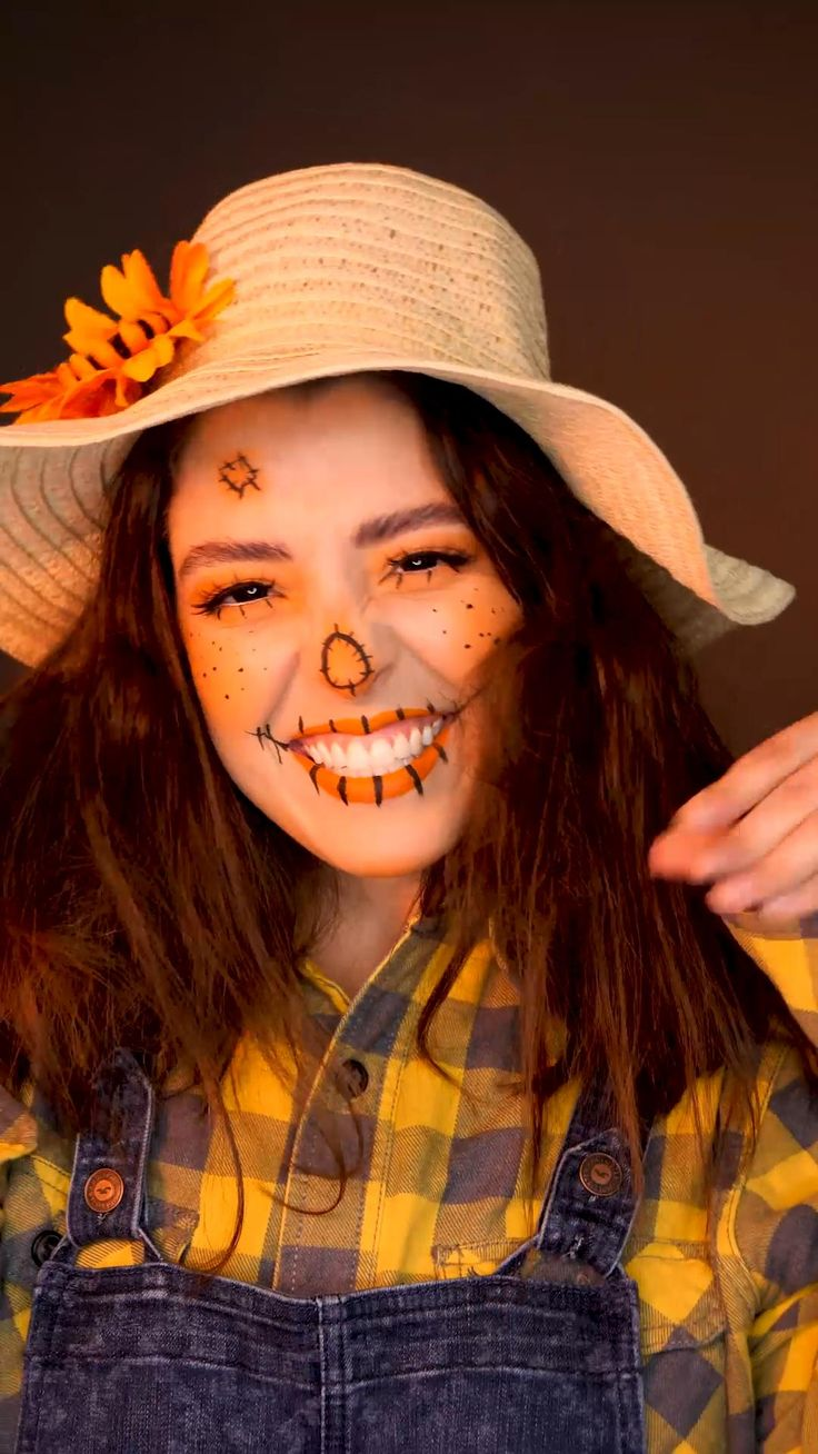 Amazing Halloween Makeup, Halloween Eyes, Halloween Makeup Looks, Halloween Outfits, Halloween Halloween, Halloween Recipe, Women Halloween, Halloween Makeup Clown, Scarecrow Makeup