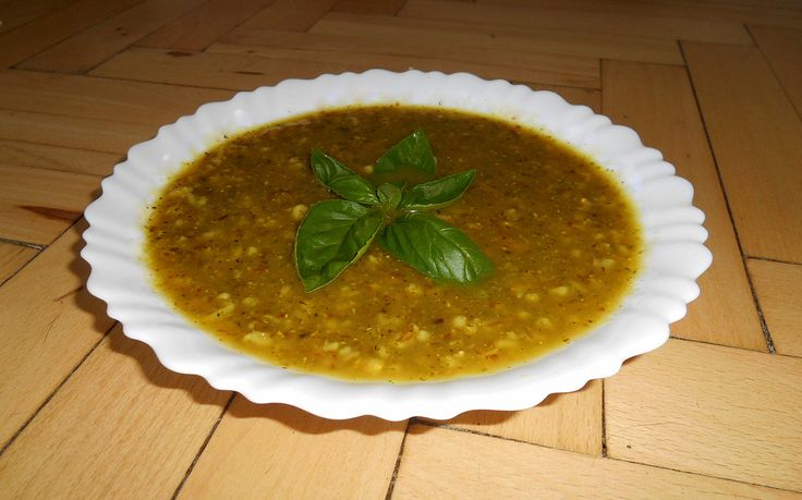 Zucchini soup with barley grates